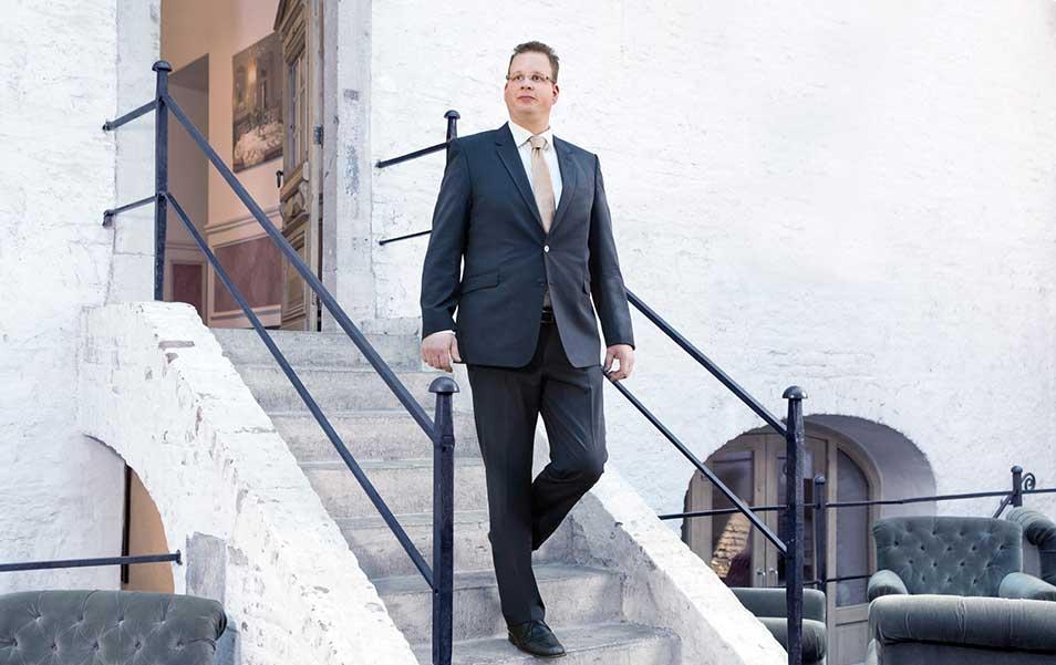 Suit-Up-Sandton-Hotels-bedrijfskleding-kostuum