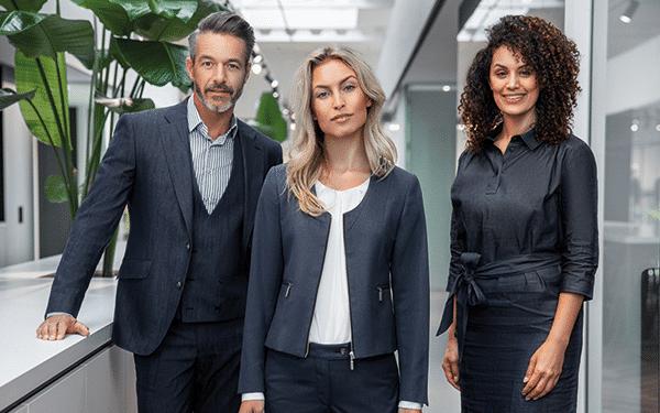 Representatieve corporate fashion bedrijfskleding Suit Up
